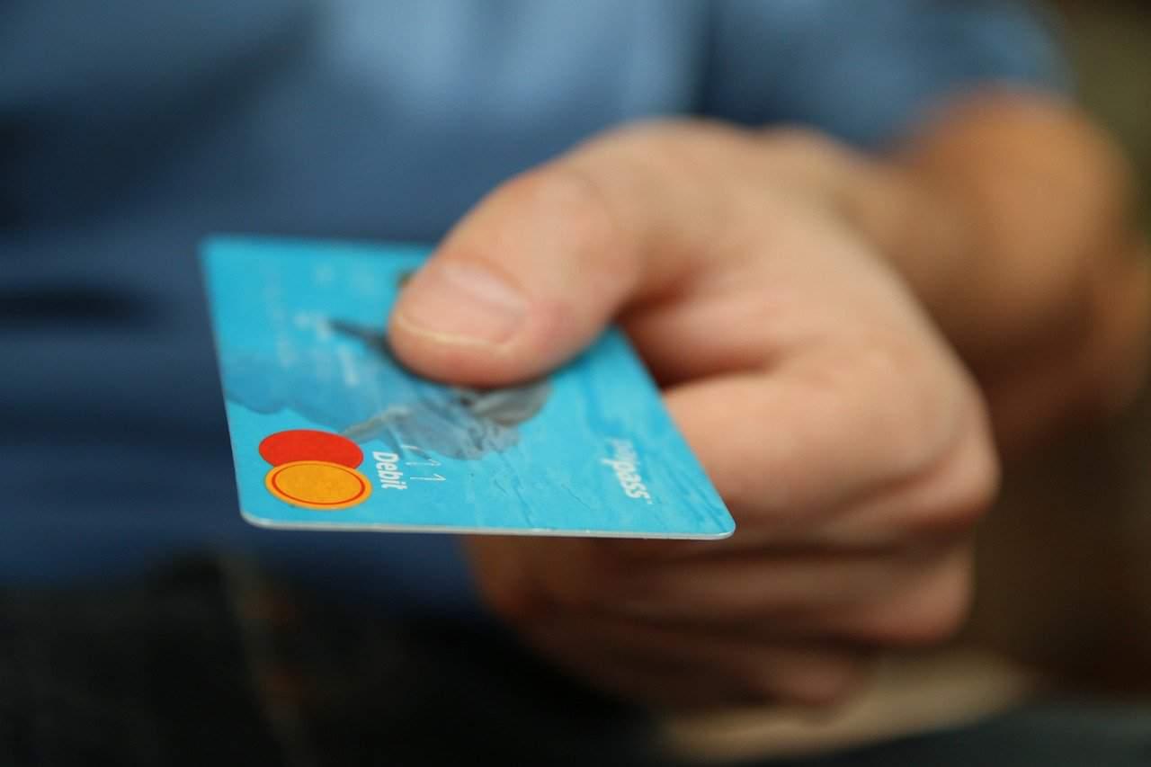 money-256319_1280-credit-card.jpg