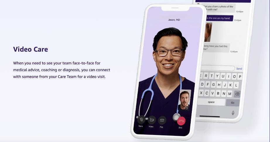 Médico em teleconferência com um usuário